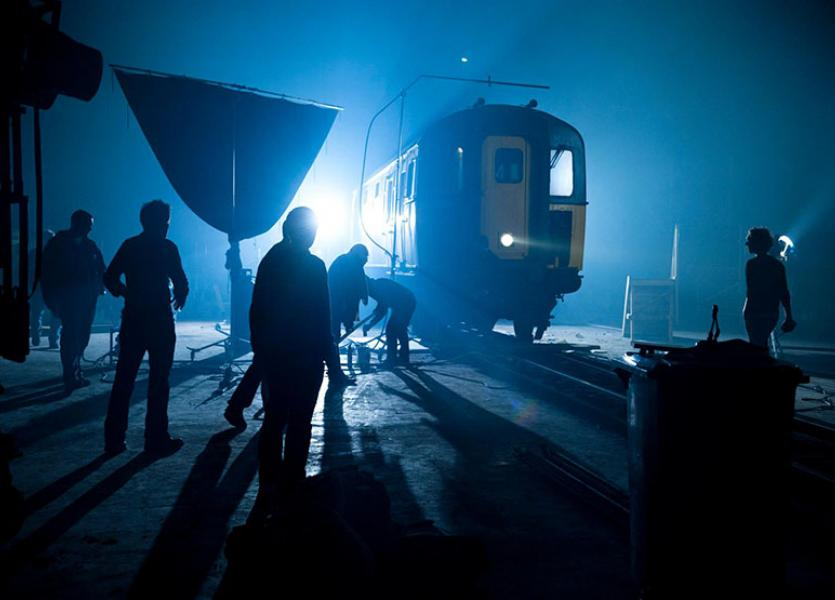 how to do scenes on a moving train neil oseman